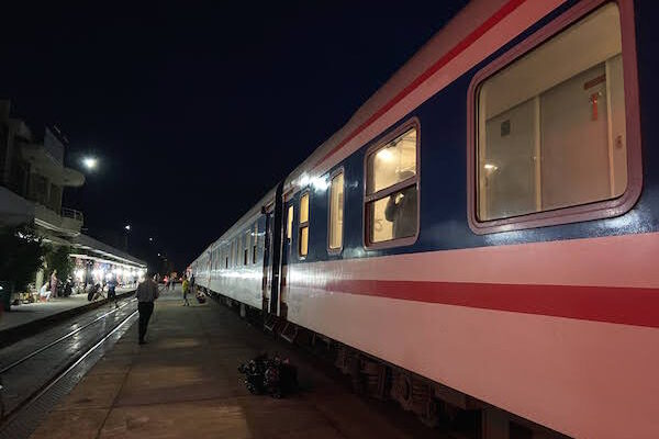 Vietnam Train Travel Booking Information and Tips: Hanoi to Quy Nhon